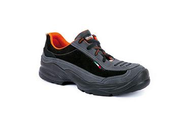 Ayakkabılar, Botlar ve Çizmeler